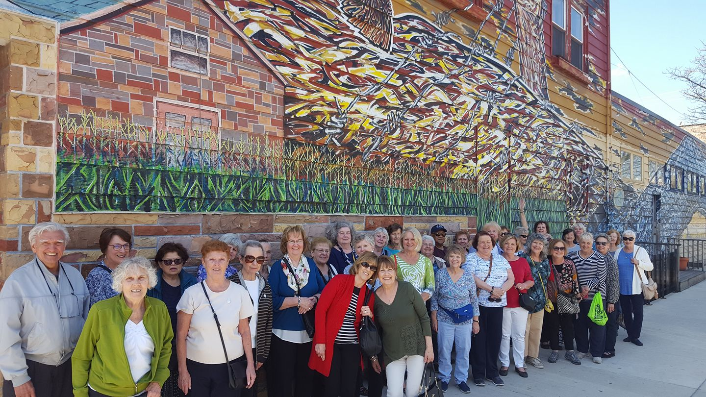 Book Senior Group Tours of Chicago Neighborhoods