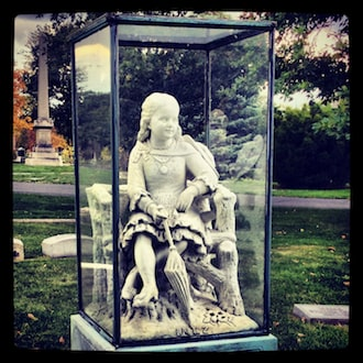 Chicago's most haunted historic buildings Inez Clarke grace Graceland cemetery
