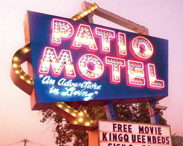 chicago-neon-signs-patio-motel