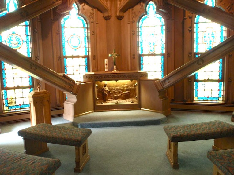 best free rooftop views of Chicago Temple Sky Chapel altar