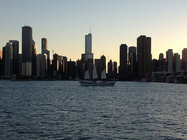 boat tours in Chicago sailing cruise lake michigan