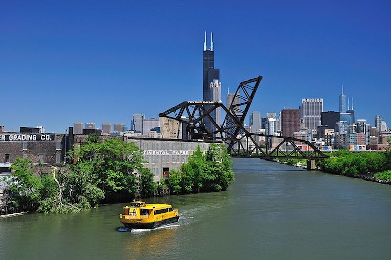 boat tours in chicago water taxi