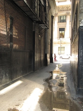 chicago alleys Loop Tour postcard image