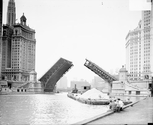 An Opened Michigan Avenue Bridge, thanks to Chicago History Museum