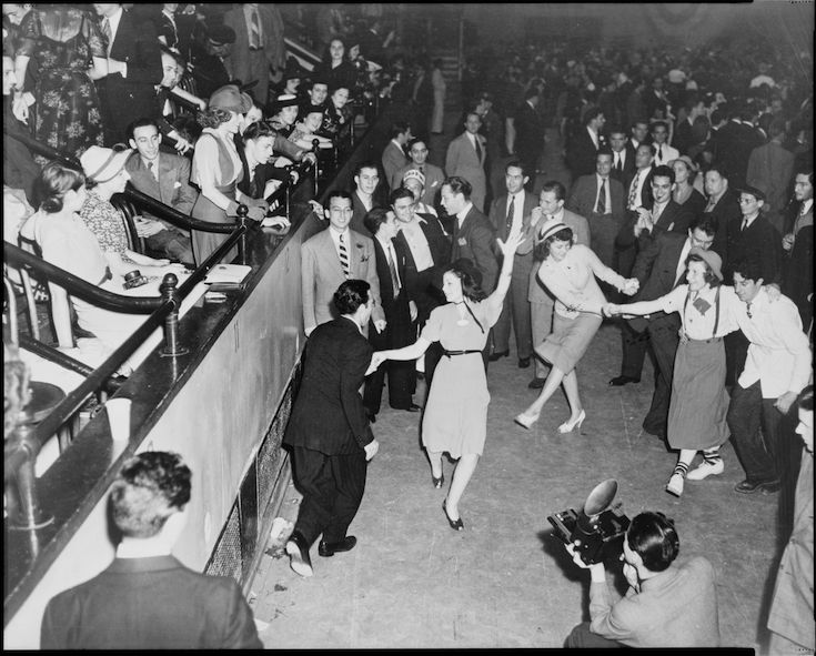 historic chicago bars and nightclubs swing dancing