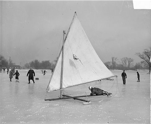 chicago boating on ice in winter